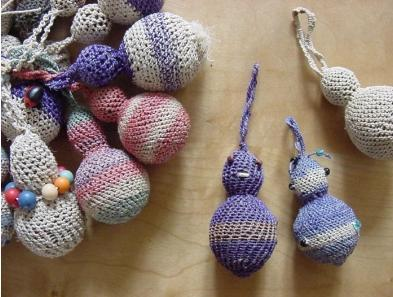 Keychains fertility figures - large -