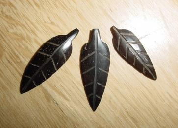 Pendant stylized leaf from Tucuma